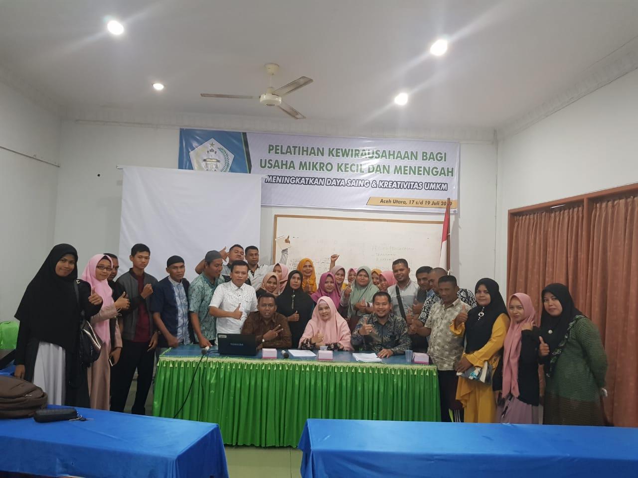 http://news.unimal.ac.id/index/single/360/dosen-fakultas-hukum-unimal-beri-pelatihan-kewirausahaan-di-disperindagkop-dan-ukm-aceh-utara