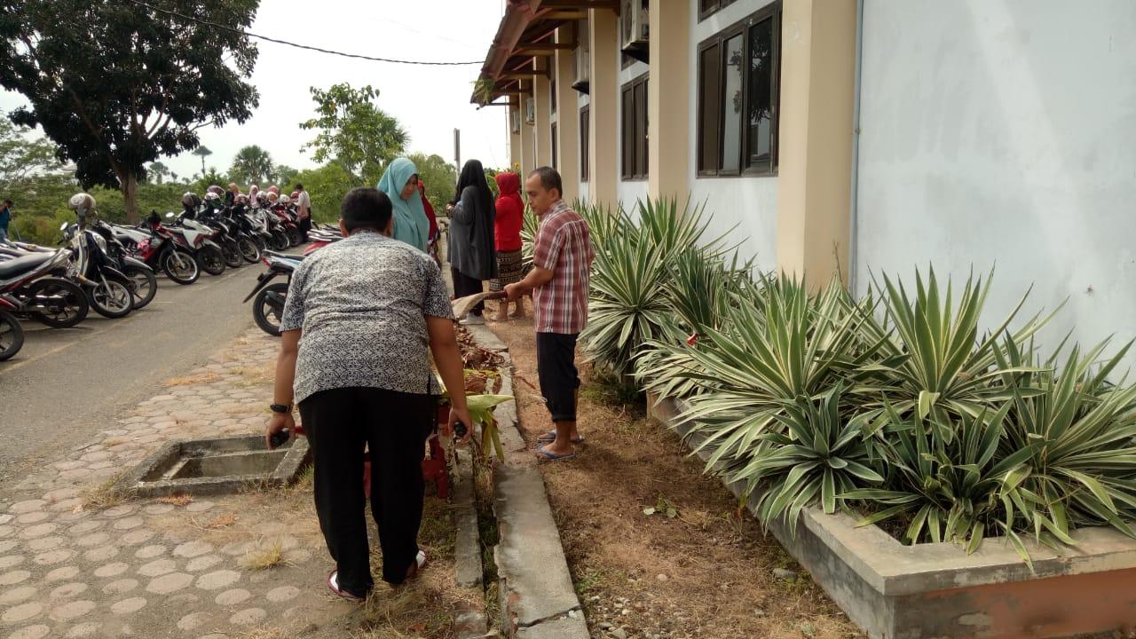 http://news.unimal.ac.id/index/single/295/ciptakan-lingkungan-bersih-fakultas-pertanian-unimal-gelar-gotong-royong