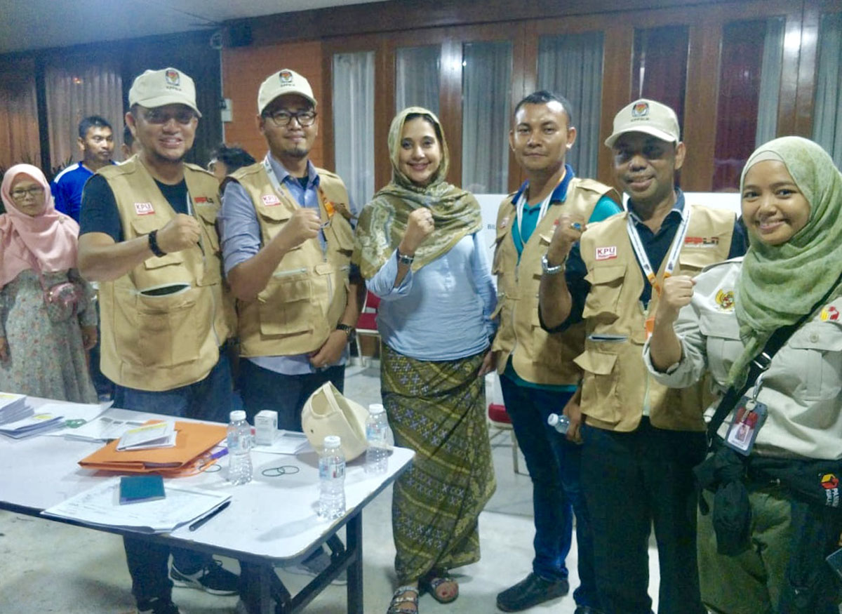 http://news.unimal.ac.id/index/single/185/tiga-dosen-unimal-menjadi-ketua-kpps-ln-di-malaysia