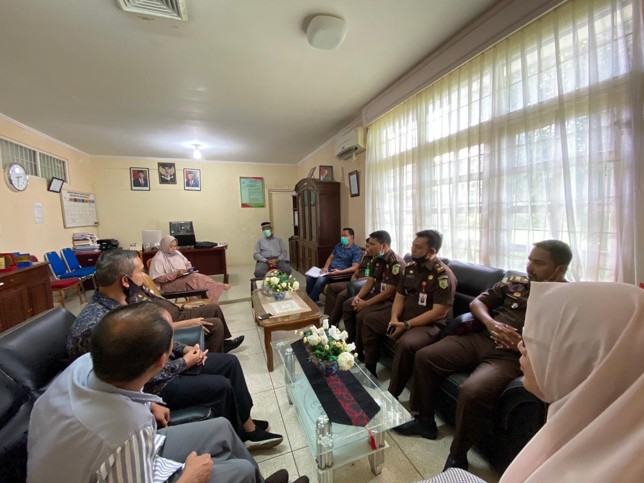 http://news.unimal.ac.id/index/single/1410/kajari-lhokseumawe-kunjungi-fakultas-hukum-universitas-malikussaleh