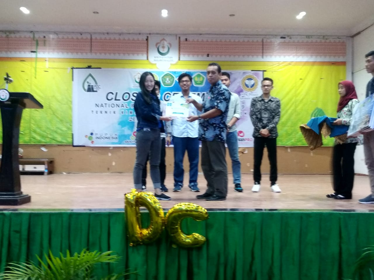 http://news.unimal.ac.id/index/single/297/institute-teknologi-indonesia-juara-i-lomba-rancang-pabrik-kimia-pdcce-2019-di-unimal