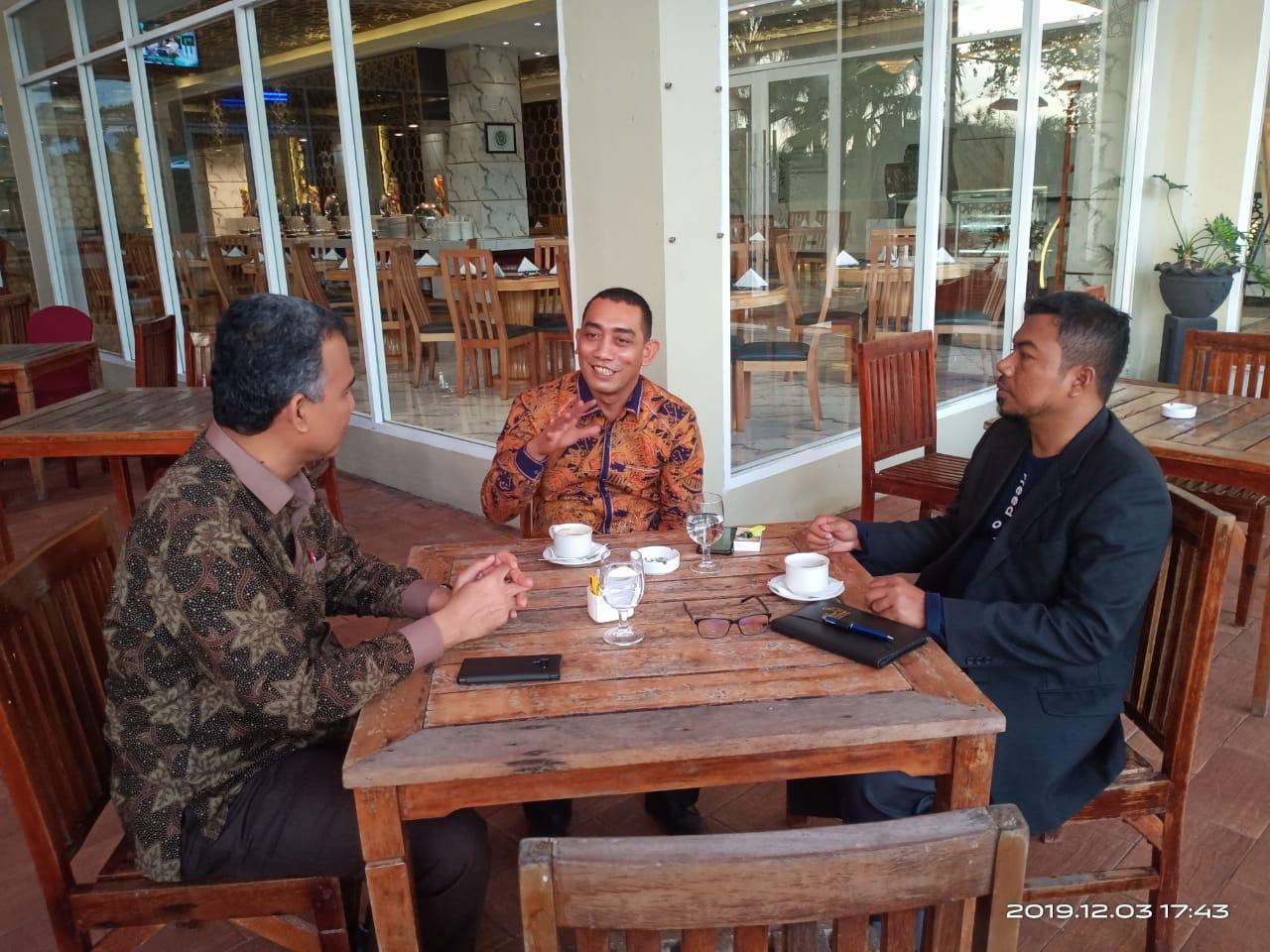 http://news.unimal.ac.id/index/single/852/bertemu-dengan-ketua-dpr-aceh-ini-yang-dibicarakan-rektor-unimal